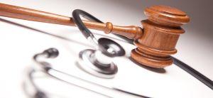 Tıbbi uygulama hataları nedeniyle zarara uğrayan hasta ve hasta yakınlarının açacakları tazminat davalarında İzmir malpraktis avukatı için tercih edilen ...